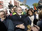 Las víctimas critican a los políticos que hacen caso a ETA y quieren dar un portazo a la historia