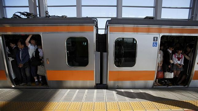 Manoseos Y Arrimones En El Metro De Japon.html