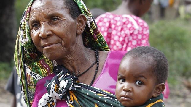 POR LAS MADRES, DE AFRICA... Abuela-africana--644x362