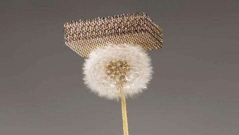 Descubren el material metálico más ligero del mundo