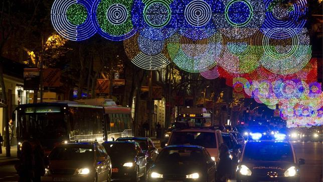La calle serrano decorada con luces de navidad Calle belen madrid
