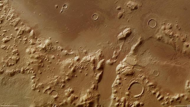 La sonda Mars detecta grandes cantidades de agua oculta en Marte