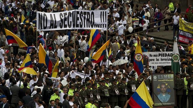 Las FARC anuncian la liberación de secuestrados tras las protestas masivas