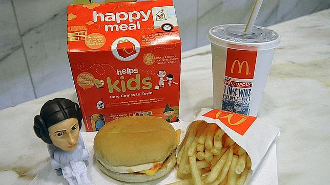 Brasil multa a McDonald's por inducir a los ni�os a malos h�bitos mediante el �Happy Meal�
