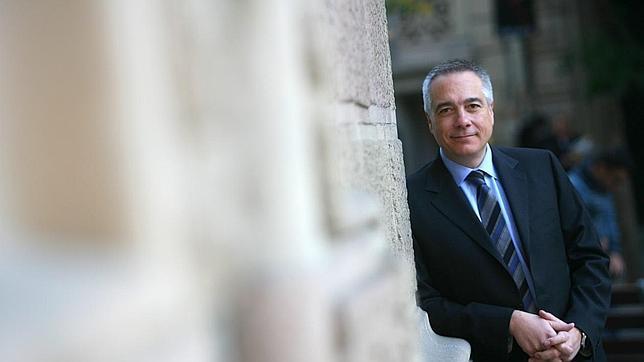 Navarro opta a liderar el PSC y dejar atrás el debate identitario