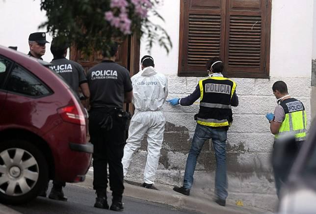 Hallan los cadáveres de dos hermanos de once y seis años en una casa de Tenerife