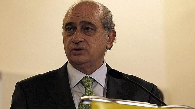 El ministro de interior cifra el d ficit en el 8 2 for El ministro de interior