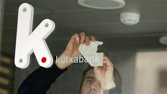 La izquierda abertzale teme que kutxabank compre otro for Oficina kutxabank madrid