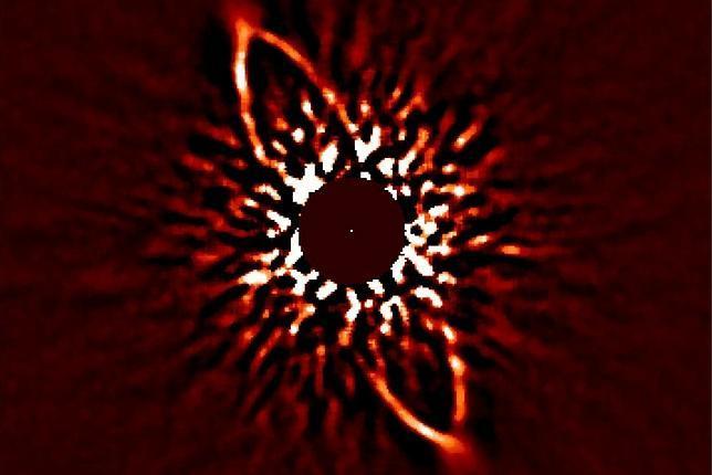 """Detectan señales de planetas desconocidos """"cerca"""" de la Tierra Disco_gas--644x430"""
