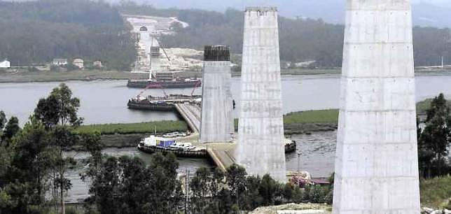 Fomento detecta «problemas serios» en las obras de varios tramos del AVE gallego