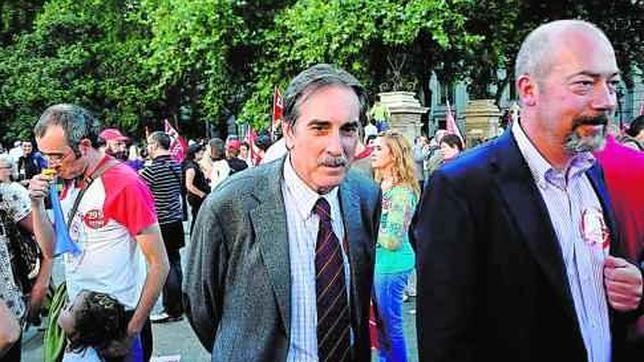 Gómez repartió 150 millones a sindicatos y patronales nueve días antes de dejar Trabajo