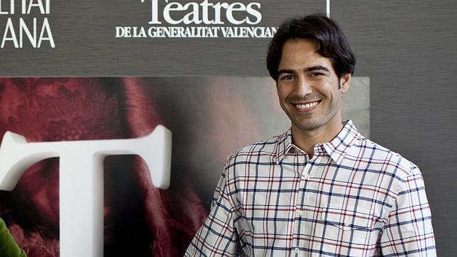 Alejandro Tous será Julio Iglesias