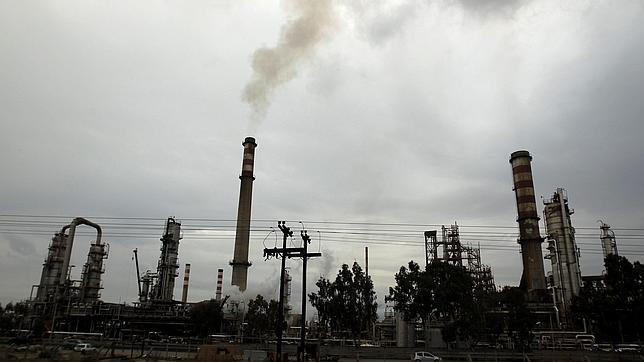 El FMI: Las sanciones a Irán aumentarán el precio del petróleo de un 20 a un 30%
