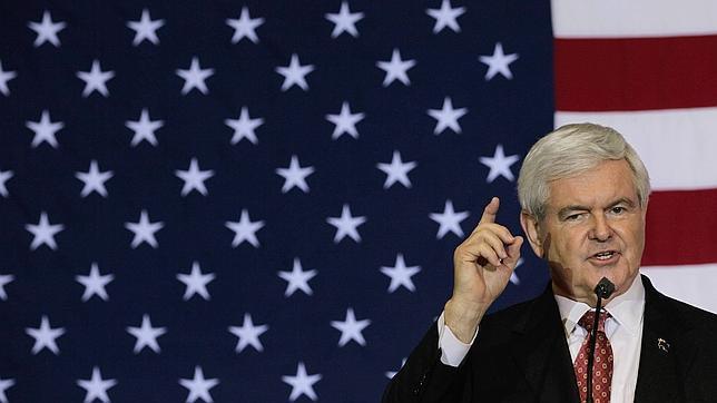 El republicano Newt Gingrich promete una base permanente en la Luna si gana las elecciones