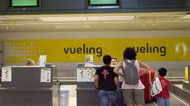 Vueling y Air Nostrum se ofrecen para cubrir las rutas que deja Spanair