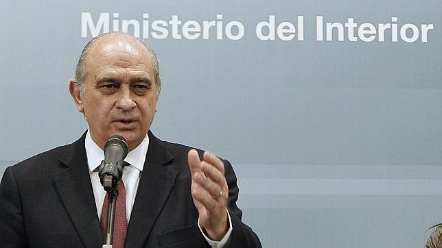 El ministro del interior aboga por expulsar a los for Ministro del interior actual