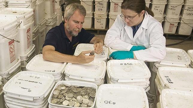 Greg Stemm, CEO de Odyssey Marine Exploration, el día que mostró la carga trasladada a Florida