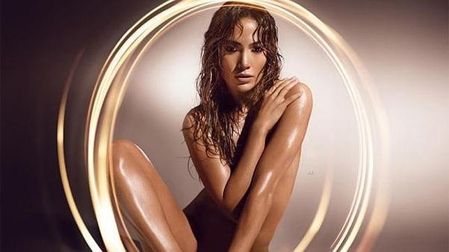 Jennifer L Pez Se Desnuda Para Promocionar Su Perfume Glowing