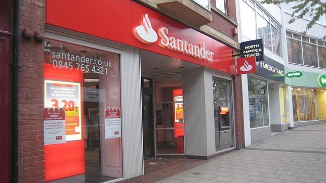 Reino unido multa al banco santander por informaci n for Oficinas santander granada