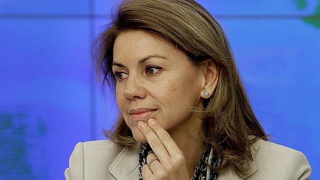 Cospedal: «ETA se tiene que disolver y pedir perdón a las víctimas»
