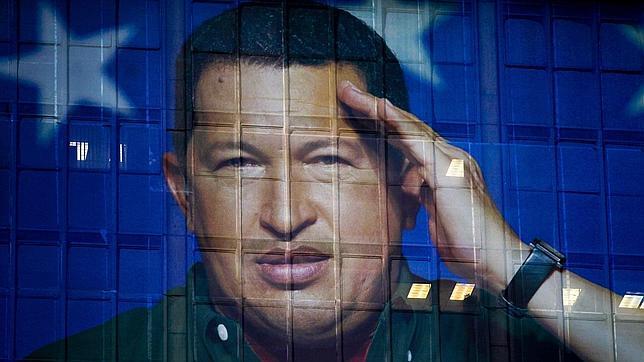 Crece la alarma por la salud de Chávez tras ser operado de nuevo