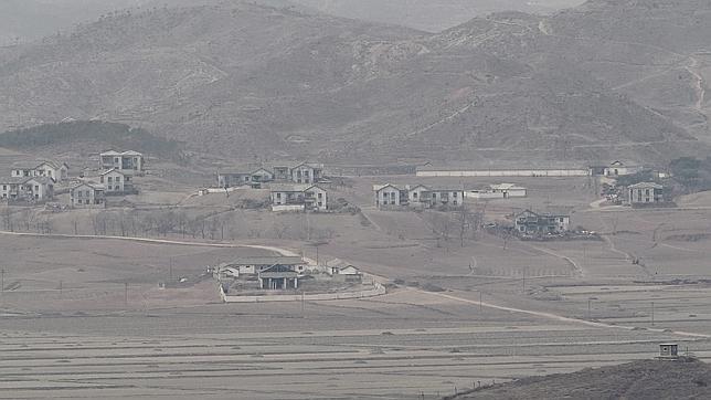 Corea del Norte detiene su programa nuclear a cambio de ayuda humanitaria