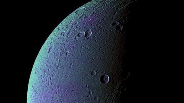 La Cassini detecta aire fresco en una luna de Saturno