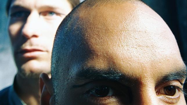 La máscara para clarificar los cabellos con la canela