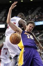 Kobe Bryant fuerza la prórroga, pero los Lakers caen en Detroit