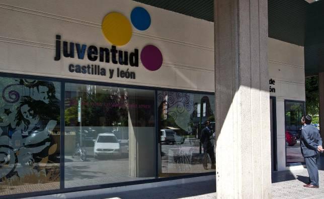 La oficina para la autonom a joven de burgos se inaugur for Oficina de empleo burgos