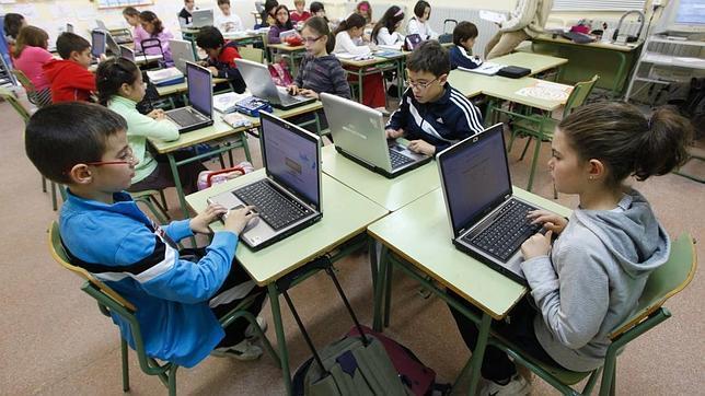 Educación elimina por ineficaz el plan Gabilondo «un ordenador por niño»