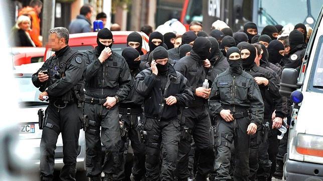 Muere el presunto asesino de Toulouse durante el asalto policial a su vivienda