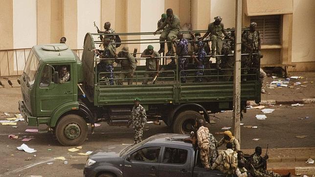 «Si Malí fuera un país más rico podría haber una guerra, pero no hay ni para balas»