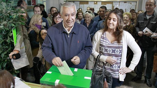 Javier Arenas: «Mañana todos tenemos como objetivo ganar a la crisis y al paro»