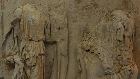 Exponen por primera vez en Grecia la restaurada metopa  «de la Anunciación»