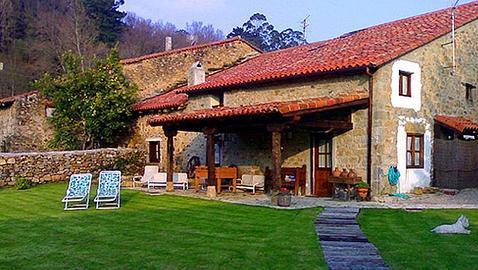 Una casa rural llena de encanto para viajar en familia - Fotos casas rurales con encanto ...