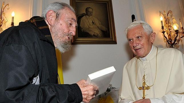 Fidel Castro a Benedicto XVI: «¿Qué hace un Papa?»