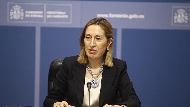 Fomento aprueba una inversión de       700 millones para el AVE a Galicia