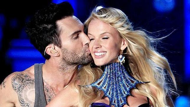 Maroon five dating victorias secret model