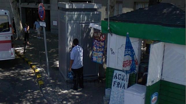 Urinario habilitado para los conductores de la emt en for Oficina de empleo atocha