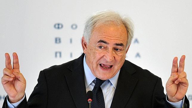 Strauss-Kahn culpa al entorno de Sarkozy de orquestar el escándalo tras el incidente con la camarera