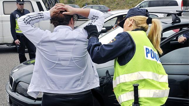 Dieciocho denegaciones de entrada y diez detenidos en las primeras horas sin Schengen