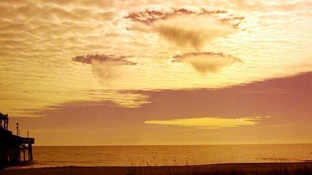 ¿Provocan los militares las nubes en forma de ovni?