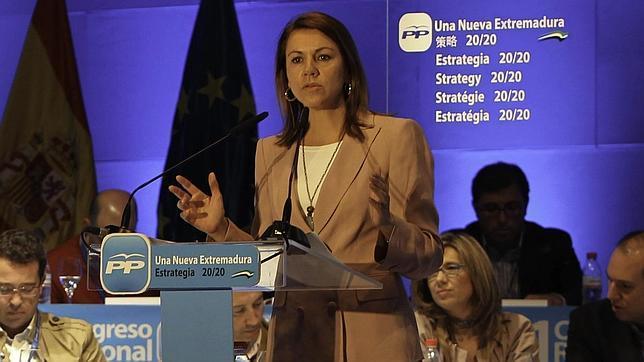 Cospedal acusa al PSOE de querer que «España se hunda para sacar tajada»