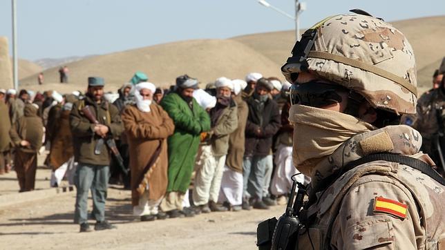 Los talibanes atacan la zona española para evitar que la OTAN refuerce el sur y este del país