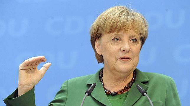 Merkel saluda la llegada de Hollande pero advierte que el pacto fiscal es inngociable