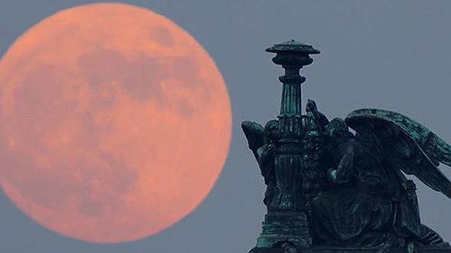 Las fotos más espectaculares de la gran luna del sábado