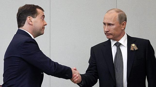 Medvédev, primer ministro sin el apoyo de comunistas y socialdemócratas