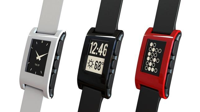 Pebble, el increíble reloj con aplicaciones y tinta electrónica que financian sus fans