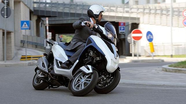 Scooter de tres ruedas, ¿para novatos o expertos? - ABC.es